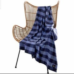 NWT Pendleton blue and black plaid luxe throw